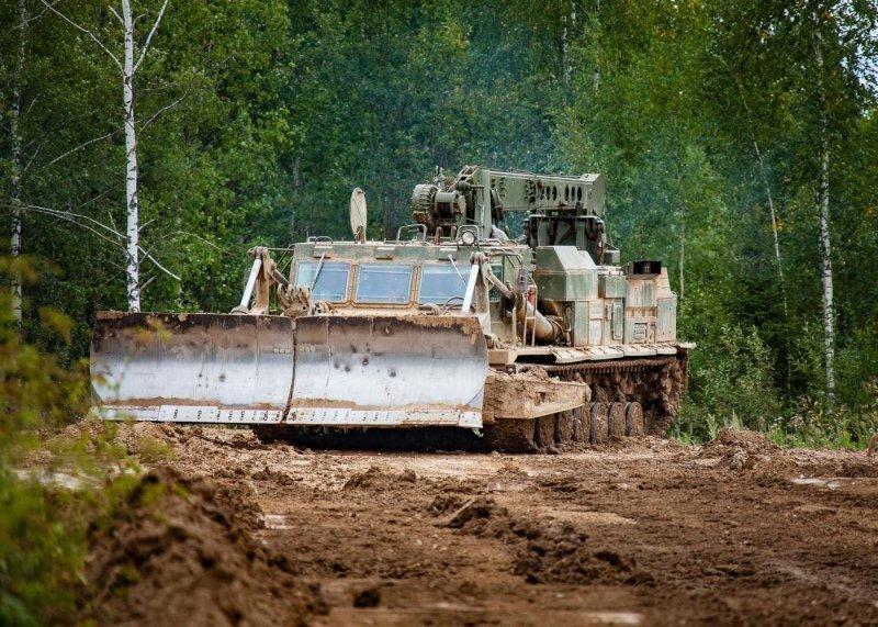 Монстр в лесах Подмосковья. Инженерный танк БАТ-2