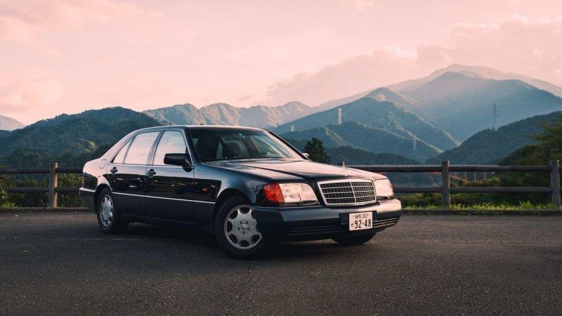 Этот Mercedes-Benz W140 S600 из Японии звучит, как болид Формулы-1