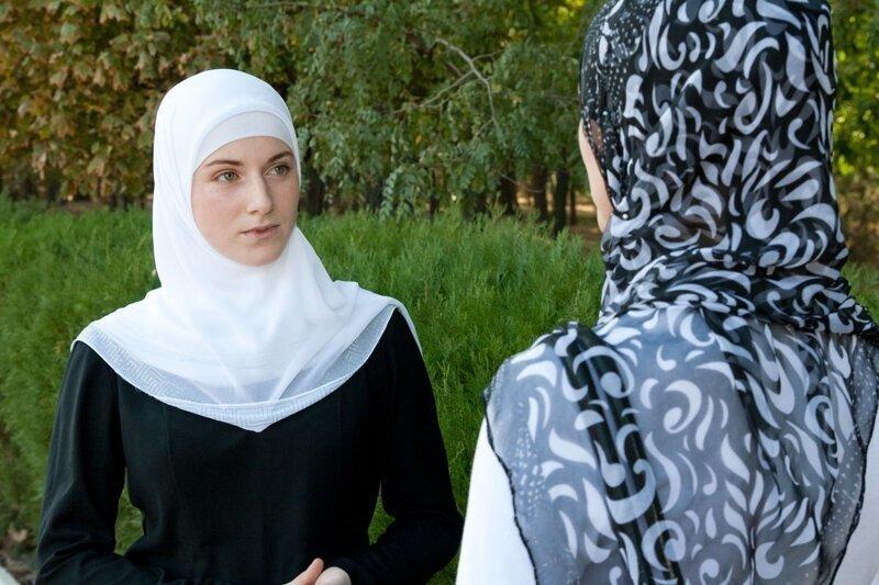 """""""Лучше две жены, чем 40 любовниц"""": главный муфтий предложил внести поправки в закон о браке и семье"""