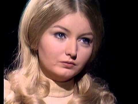 """25 сентября 1968 года английский хит-парад возглавила русская песня - романс «Дорогой длинною"""""""