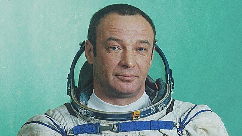 Умер советский летчик-космонавт Геннадий Манаков