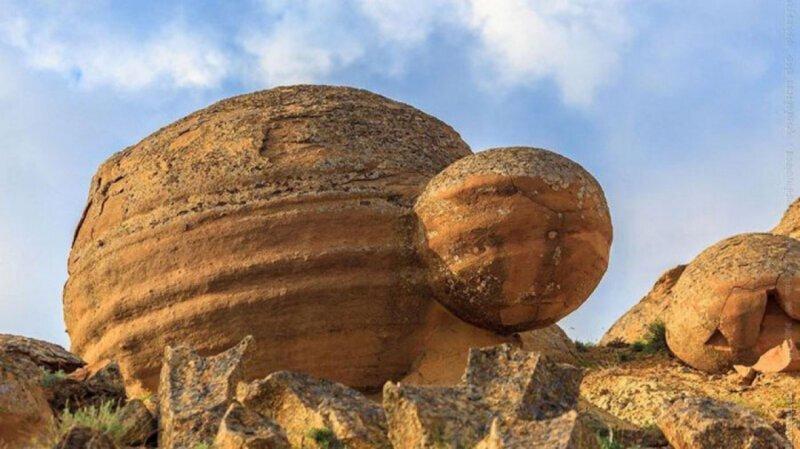 Камни умеют дышать, размножаться и перемещаться