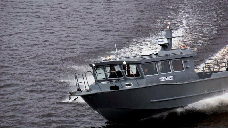 В акватории Архангельска начались ходовые испытания катера «Баренц-1100»