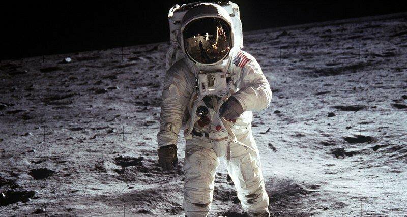 Уточнена дата бомбардировки Луны