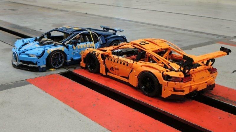 Краш-тест Bugatti и Porsche, собранных из конструктора Lego