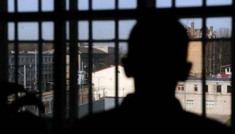 Скандал в Литве: эмигранта посадили в тюрьму вместо брата-близнеца