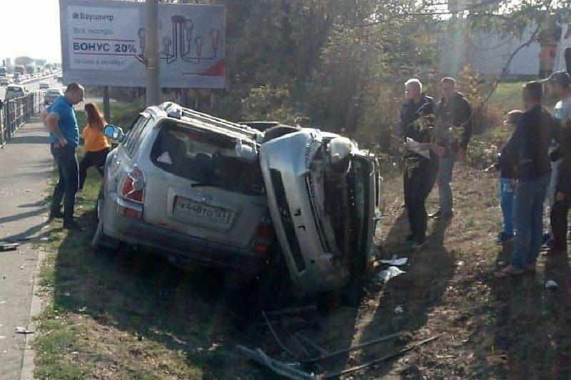 Авария дня. Под Новороссийском в результате ДТП автомобили улетели в кювет