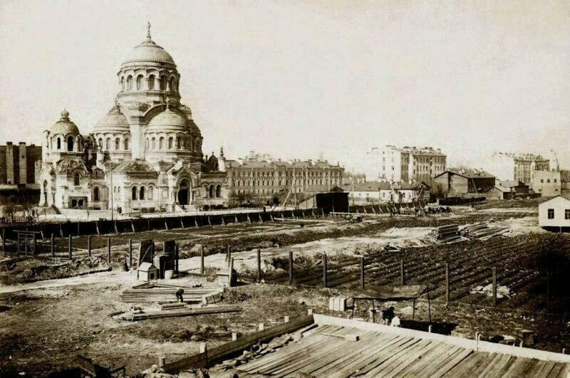 Бассейн для моряков подводников в Петербурге переделают в храм