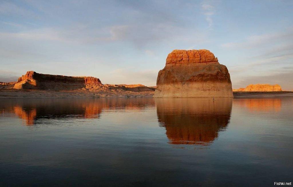 Озера Пауэлл в США на реке Колорадо