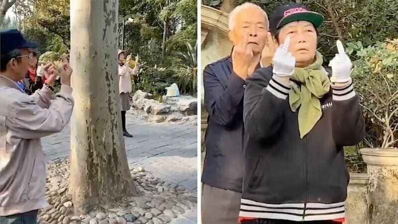 Китайские пенсионеры были запечатлены во время исполнения странного «ритуала»