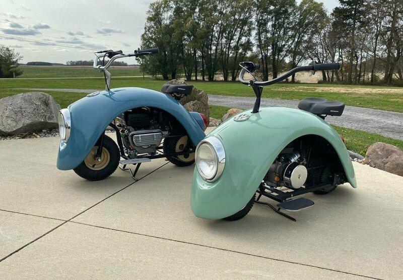 Изобретатель создал два минискутера в стиле классического Volkswagen Beetle