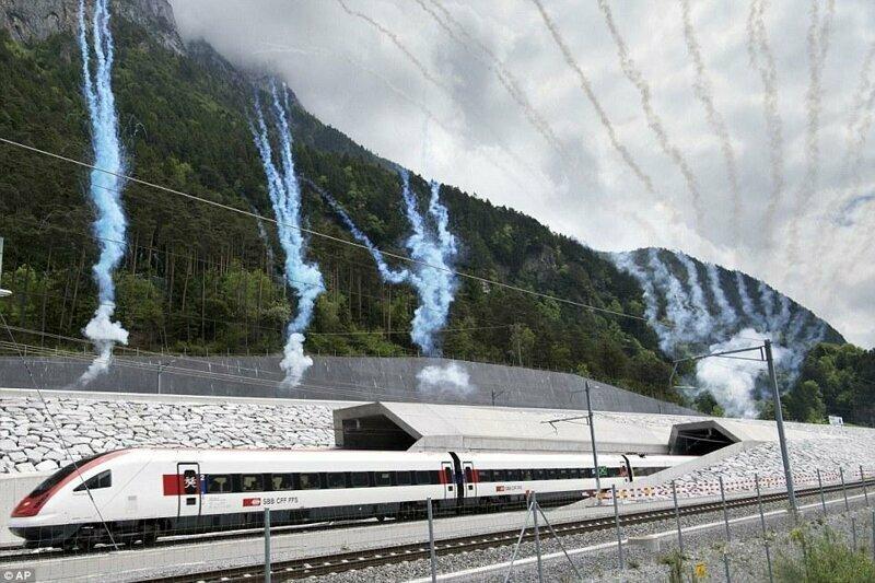 Построили самый длинный и глубокий тоннель для поездов в мире