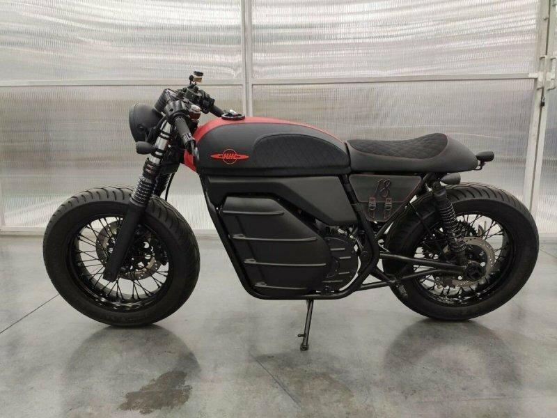 """Что не так с """"новым"""" мотоциклом ИЖ и почему над ним так смеются мотоциклисты"""