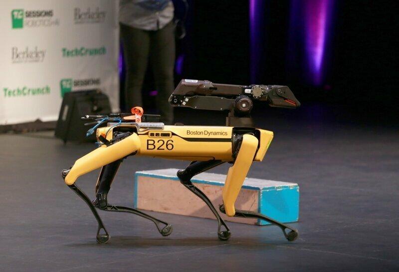 Американская полиция начала применять робособак Boston Dynamics