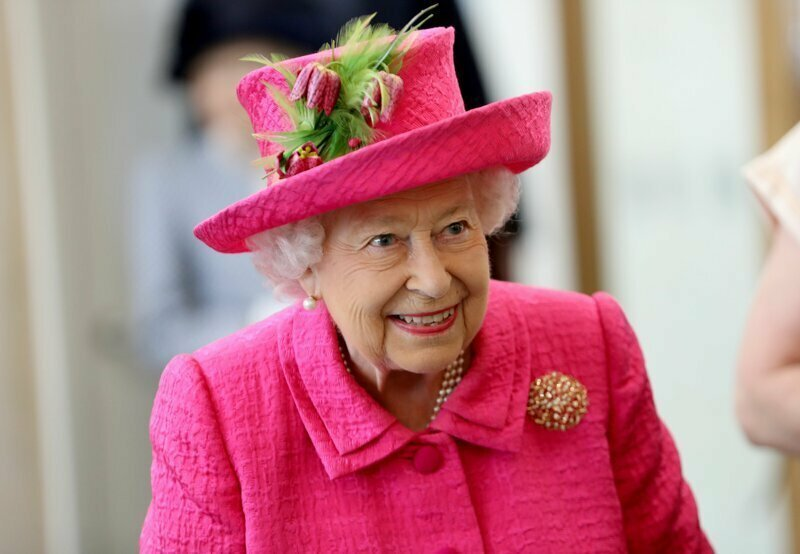 Приближённые Елизаветы IIсообщают, чтоонаможет отречься отпрестола