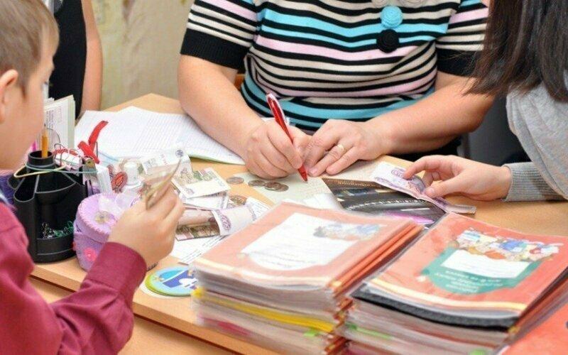 Активисты предложили обучать школьников благотворительности