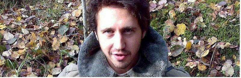 И́горь  Растеря́ев  — российский автор и исполнитель песен