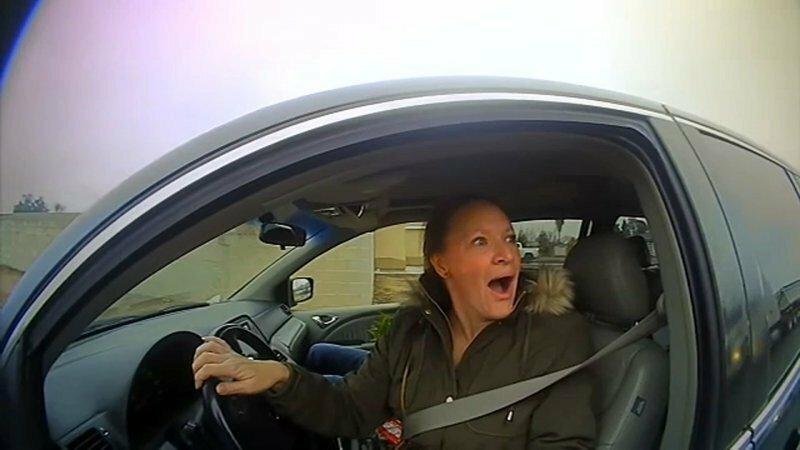 100$ вместо штрафа: в Калифорнии полицейские раздавали деньги водителям-нарушителям