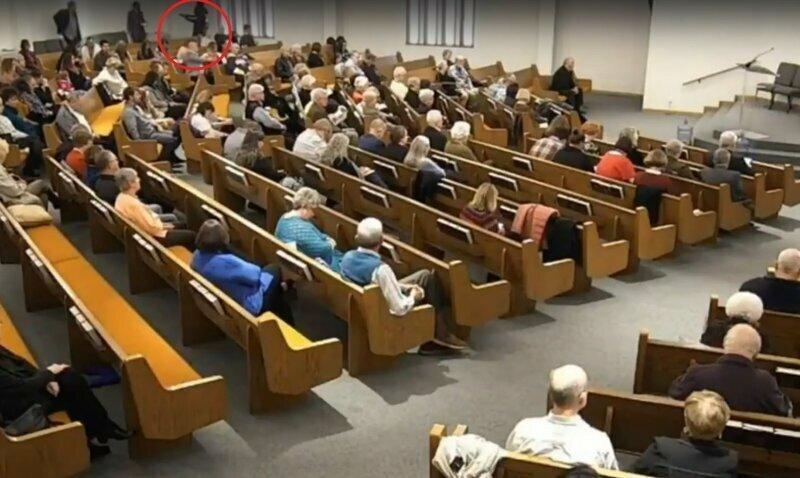 В Техасе неизвестный устроил стрельбу в церкви