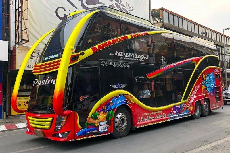 Тюнинг по-тайски. А не раскрасить ли нам автобус?!