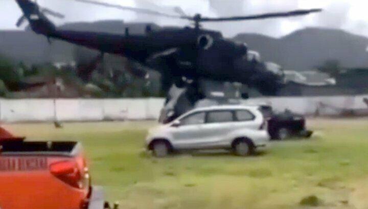 В Индонезии вертолет Ми-35 не смог взлететь и начал крушить автомобили