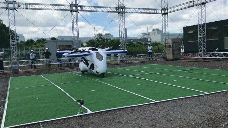 В Японии протестировали пассажирский квадрокоптер