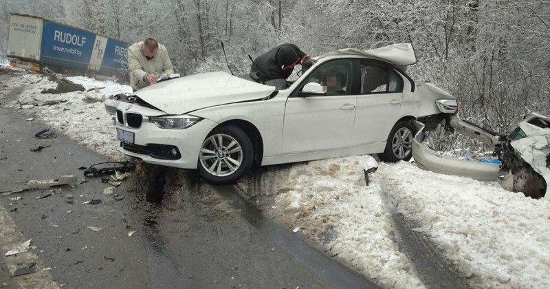 Авария дня. Водитель чудом остался жив в страшном ДТП под Минском