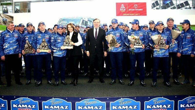 Встреча победителей гонки Дакар 2020 — команда КАМАЗ-мастер вернулась домой