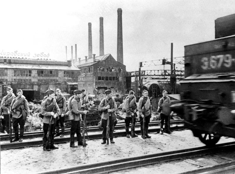 Героизм работников Кировского завода во времена блокады Ленинграда запомнился на многие поколения