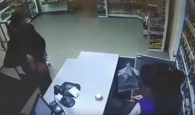 В Пермском крае мужчина поджег пытавшуюся разорвать с ним отношения продавщицу