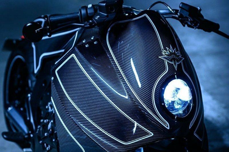 Stealth Crow — как превратить мотоцикл BMW в мотоцикл Бэтмена