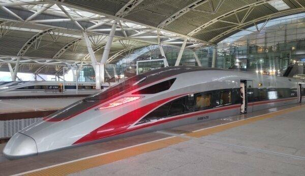 Китайский скоростной поезд или почему мы никогда не станем ближе