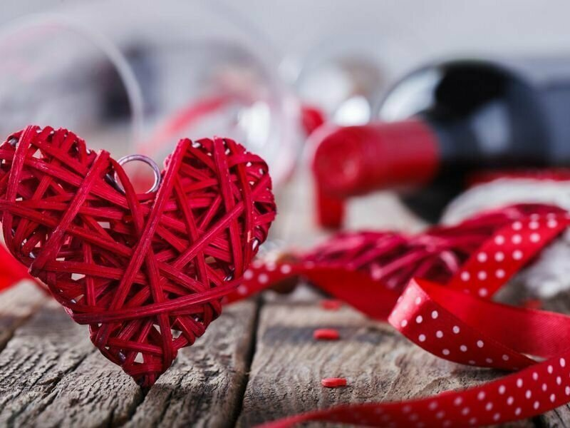 Сентиментальные жертвы погрязли в кредитах ради обогащения лживых пиарщиков Дня св. Валентина