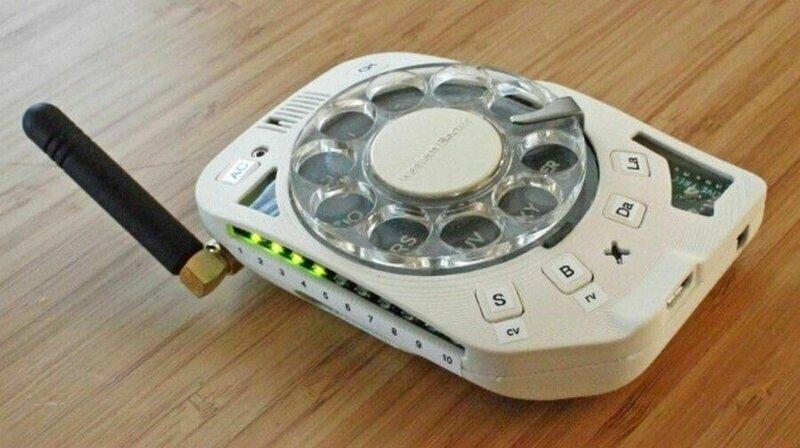 Ностальгический мобильный телефон: дисковый смартфон