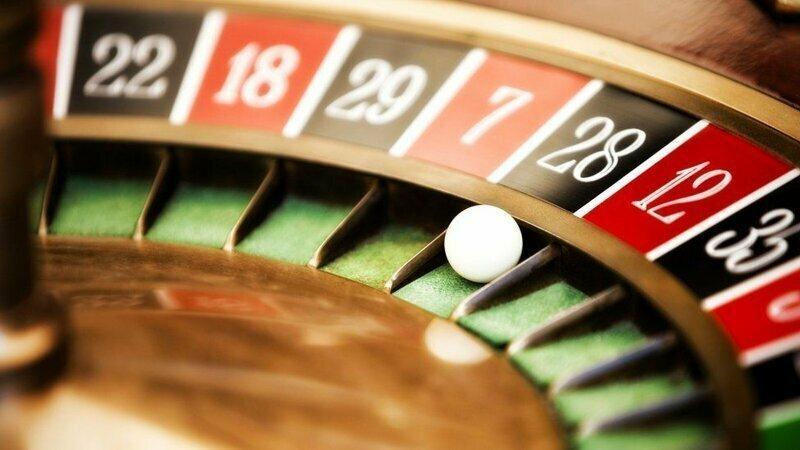 """Ложный вывод Монте-Карло: почему """"ошибка игрока"""" так опасна в повседневной жизни"""