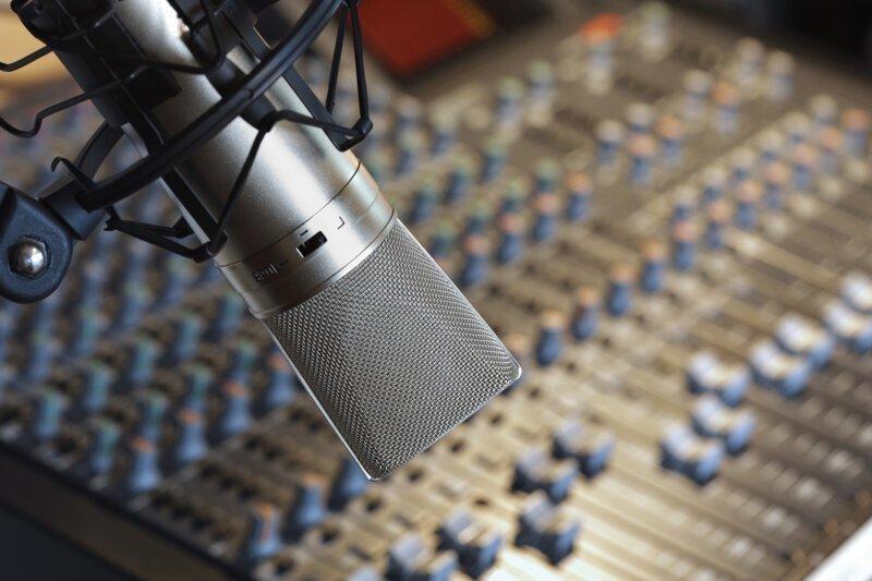 История появления и развития радиовещания