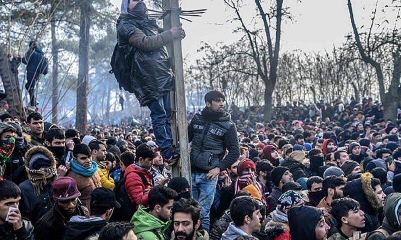 Греция обороняется от мигрантов