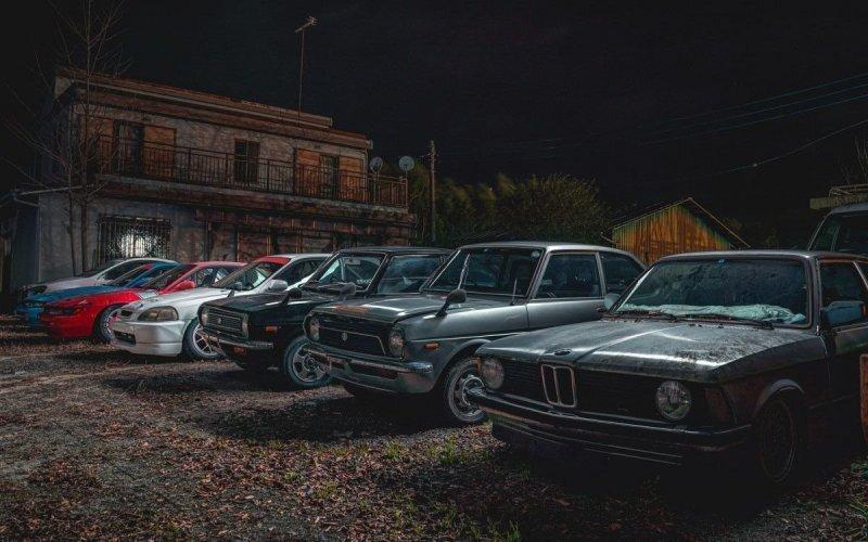 Ночной фоторепортаж с самого безумного автомобильного кладбища Японии