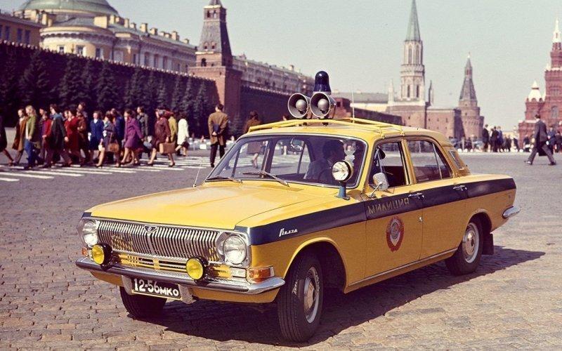 Все машины нашей милиции: малолитражки, внедорожники, грузовики!