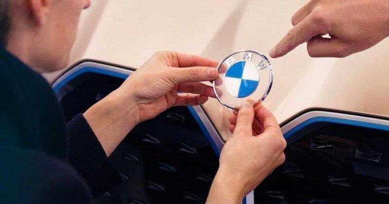 Логотип BMW получил самое радикальное изменение более чем за 100 лет