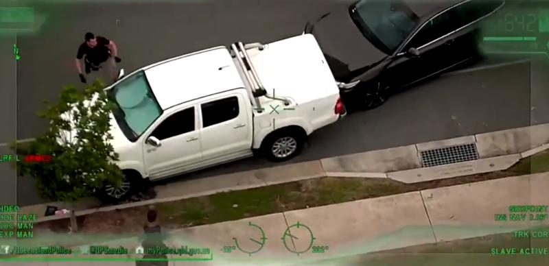 Житель Австралии ловко поймал преступника во время прогулки с собакой