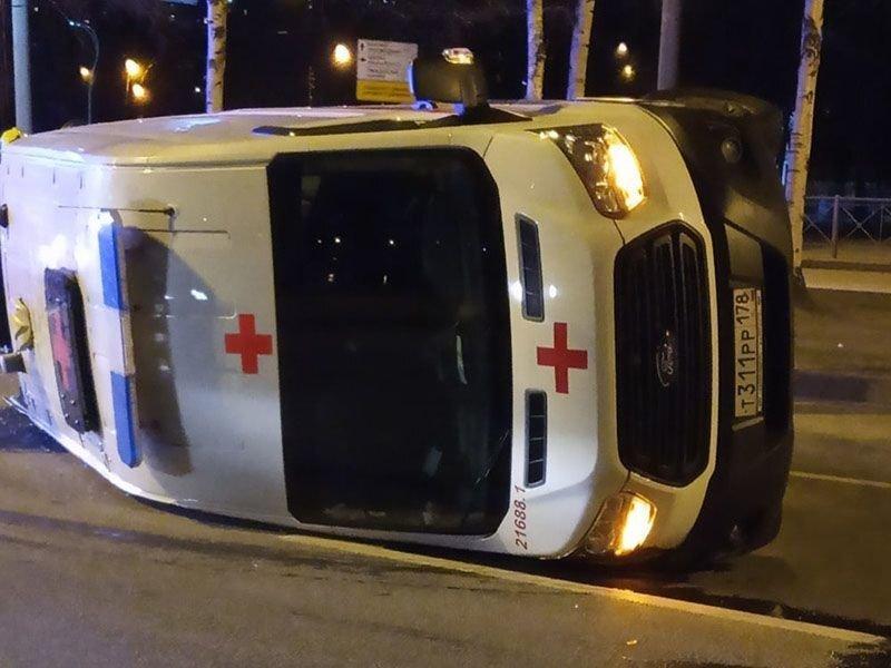 Авария дня. Такси и машина скорой помощи