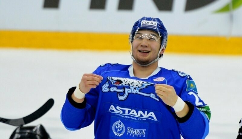 Хоккеист казахстанского «Барыса» заявил, что готов избить коронавирус
