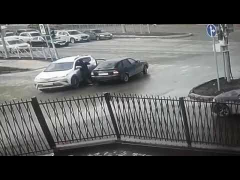 Разборки на дорогах. Протаранил авто