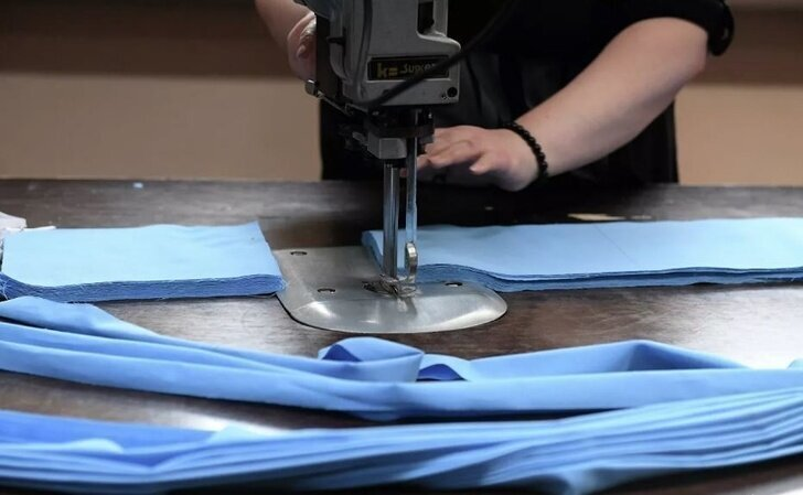 Российские швейные предприятия подключились к производству масок