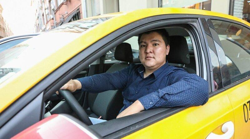 Отмена заказа и плата за допуслуги: на какие уловки идут таксисты, чтобы больше заработать?