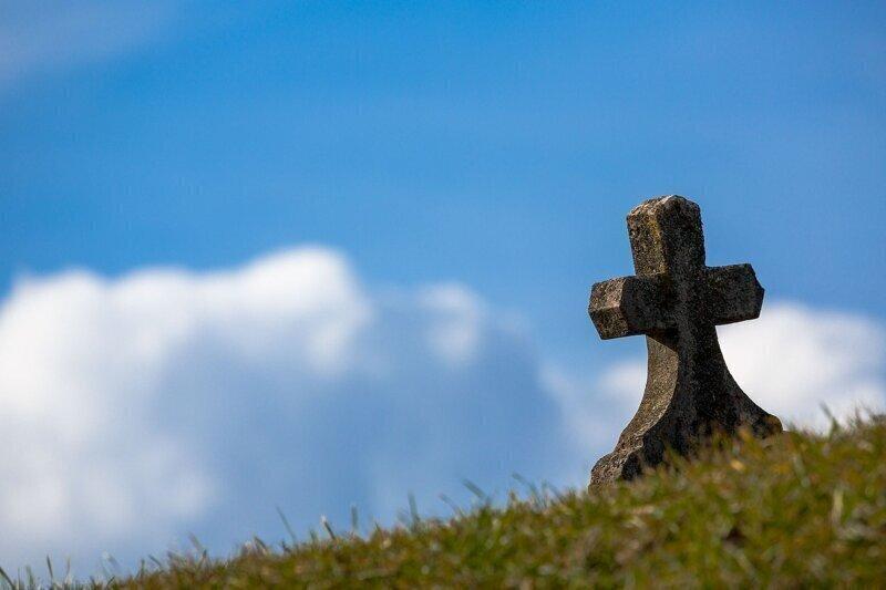 На Украине вырыли сотни могил для ещё не заболевших COVID-19
