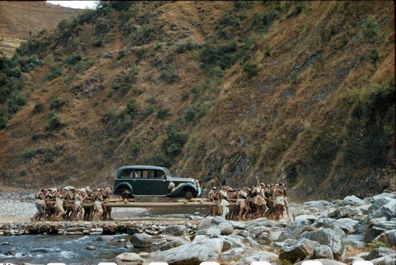 Нет дорог, но есть носильщики: как автомобили появились в Непале