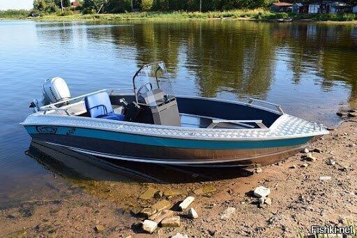Это лодка с мотором