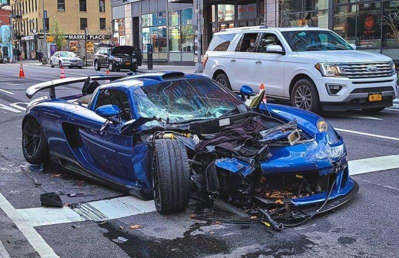 В Нью-Йорке парень разбил очень редкий суперкар Porsche Gemballa Mirage GT и попытался скрыться